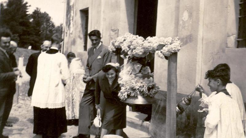 Vecchia Salussola: Anni del 1950 benedizione della campana dell'oratorio di san Rocco a la Bastìa