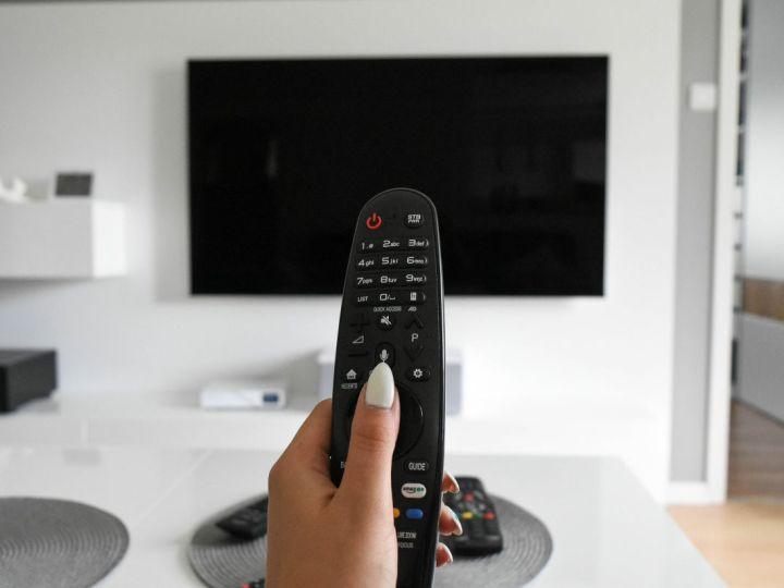 Se non hai il televisore HD dal 20 ottobre non vedrai più questi programmi Rai e Mediaset