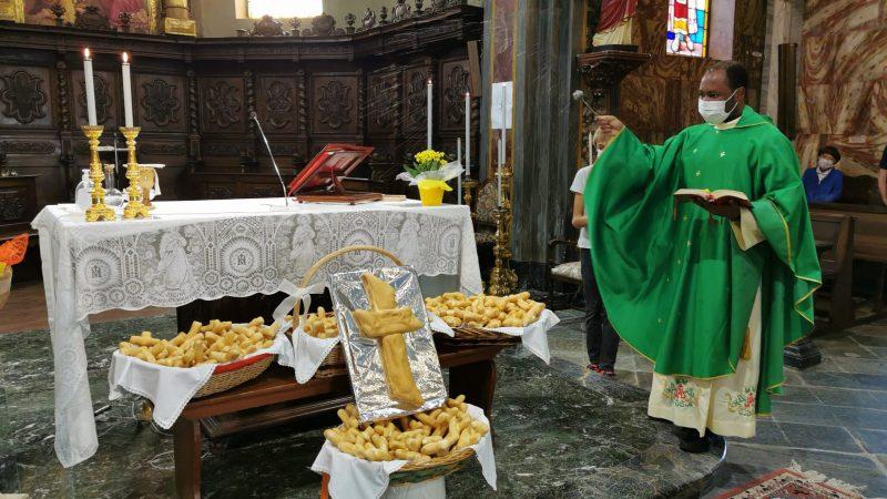 Le foto della benedizione dei pani di san Nicola da Tolentino