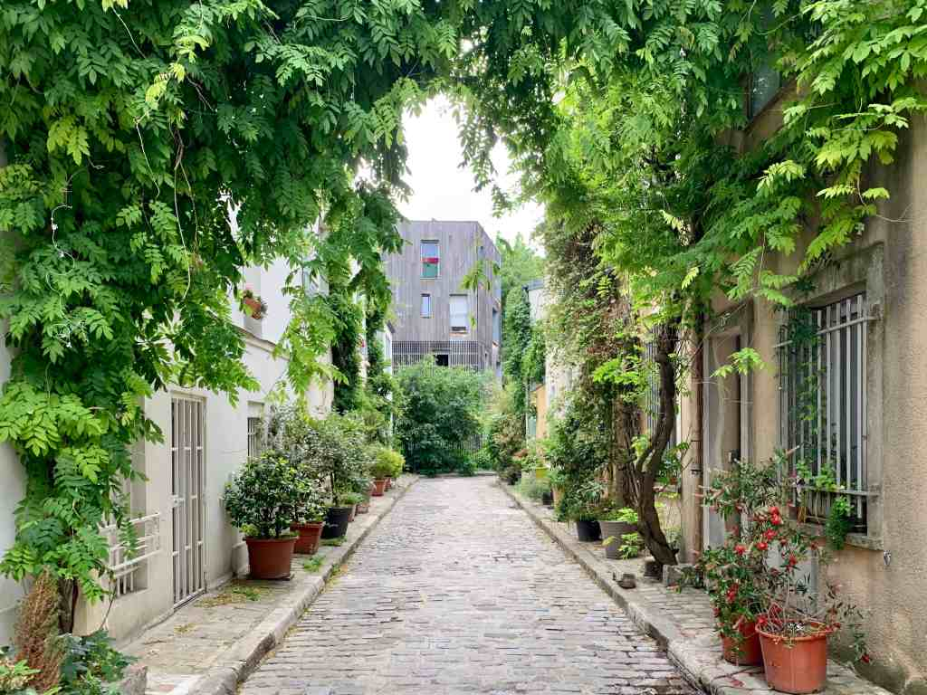 Rue des Thermopyles hidden in the 14th arrondissement - cute streets in Paris