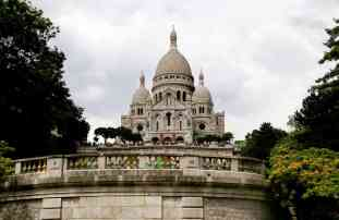 The Montmartre Stairs or montmartre steps are the best way to see Paris