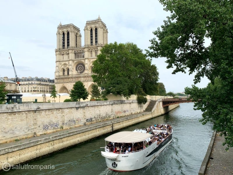 Things to see in Paris in one day - take cruise on Seine and see a lot of Paris from the comfort of a boat - Paris one day tour, take a cruise!