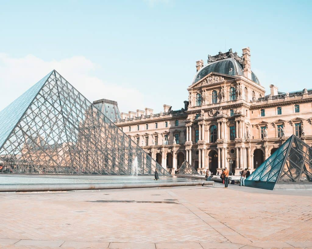 Take a virtual tour of the Louvre during the lockdown