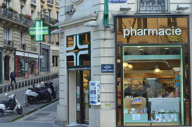 Pharmacies in Paris - where to buy over the counter medicine in Paris