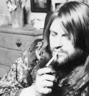 Robert Wyatt is Smocking