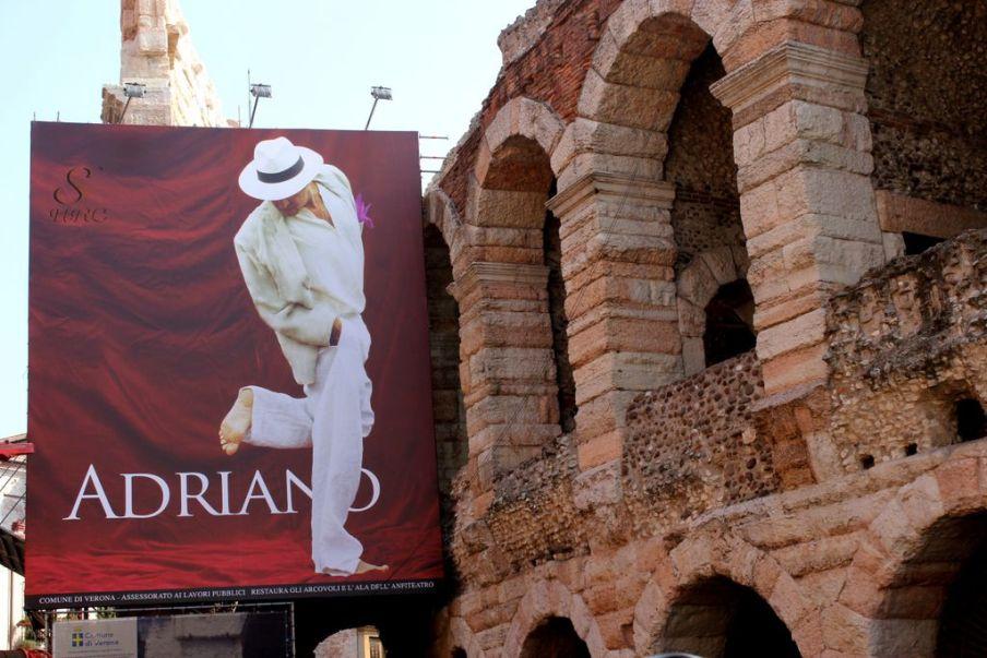 Rock Economy Adriano Live