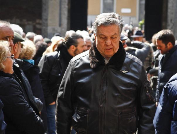 Renato Pozzetto ai funerali di Jannacci