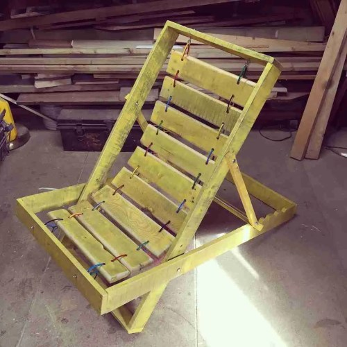 pallet-deckchair-palletdesign-palletbuild-palletchair-folding pallet chair- pallet garden chair