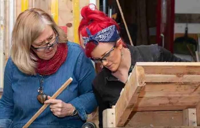 Using free pallet wood to make useful things