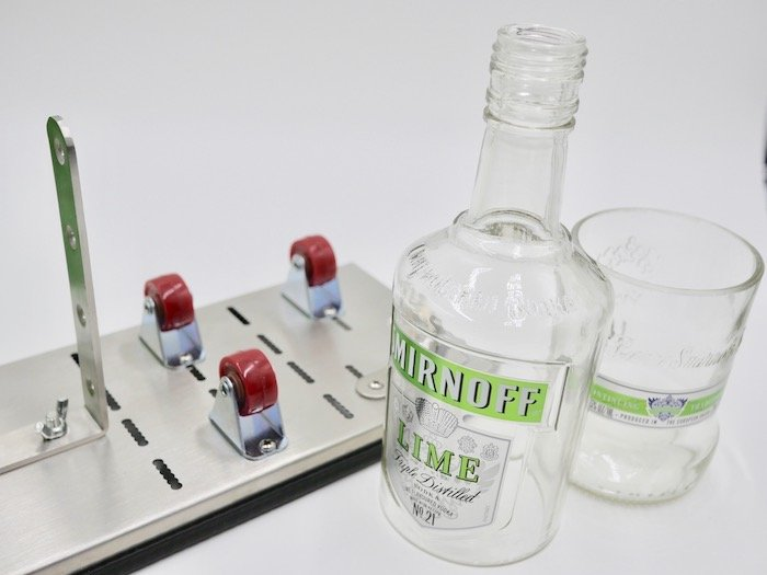 The best way to cut glass bottles