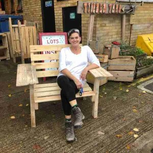 easy pallet bench project DIY crafts