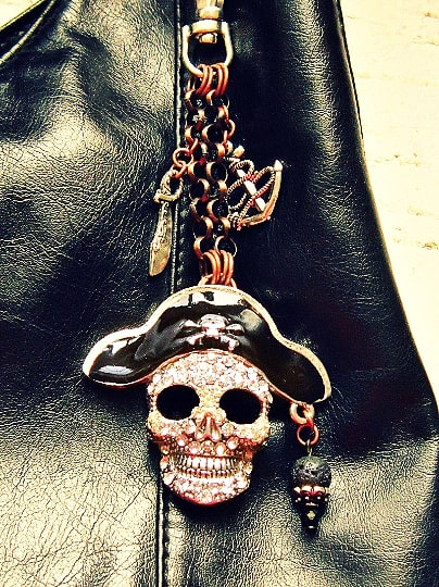 pirate themed purse pull