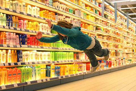 Anche chi scivola al supermercato su un chicco d'uva va risarcito