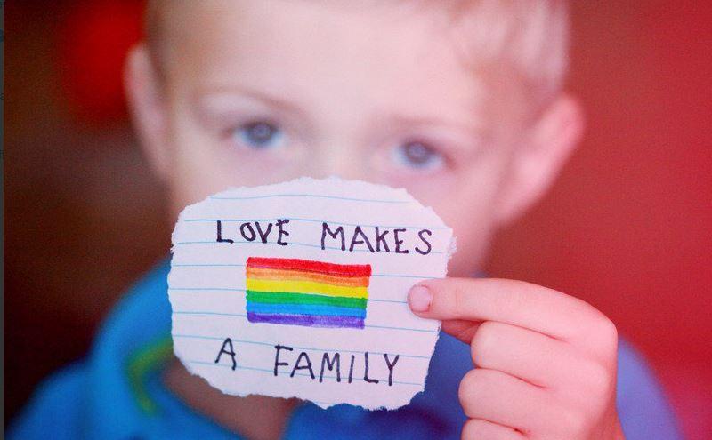 Adozione per coppie omosessuali: arriva il sì dalla Cassazione