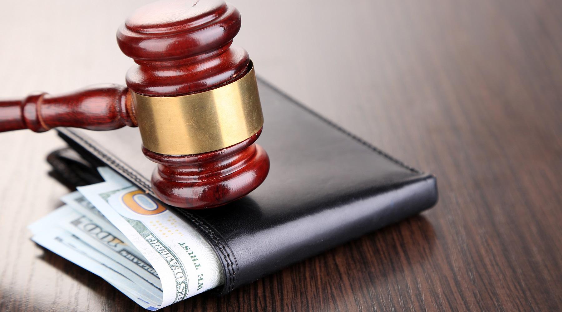 Decreto ingiuntivo per crediti professionali: non sono prove la fattura e la copia autentica del registro IVA