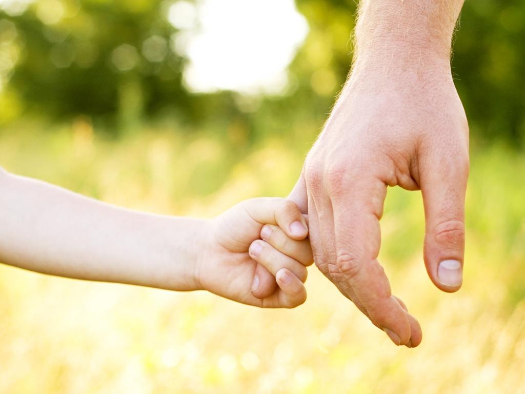 Stato unico di figlio e riflessi successori: come cambia la posizione dei figli adottivi?