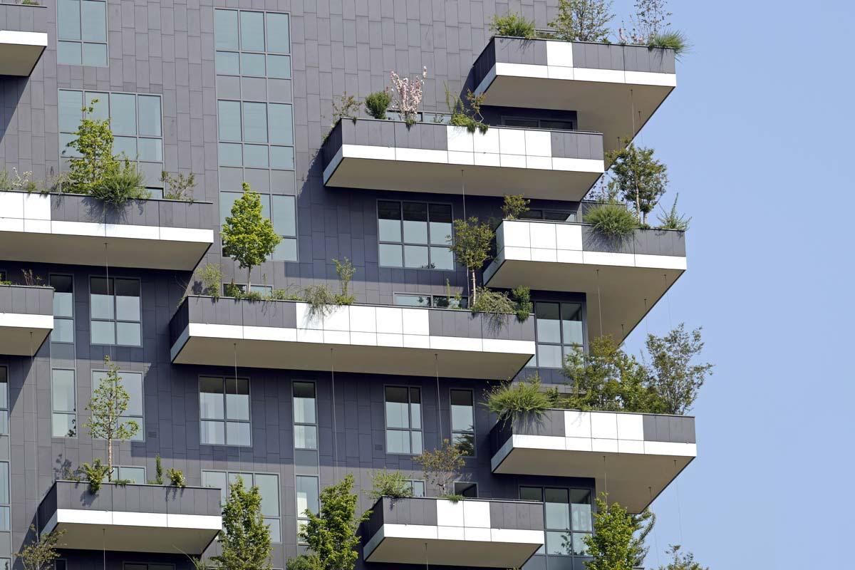"""Il regime giuridico dei balconi """"aggettanti"""" e dei balconi """"incassati"""""""