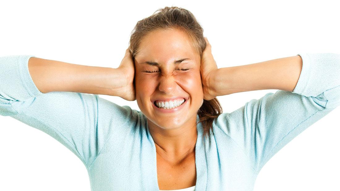 I danni che deve risarcire il vicino rumoroso in condominio