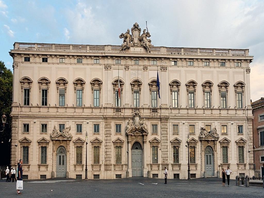 Corte Costituzionale, no alla sanzione amministrativa per il mancato pagamento dell'assegno di mantenimento dei figli