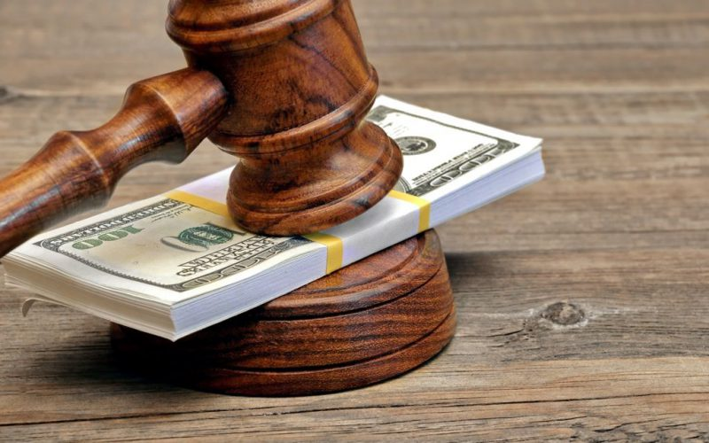 Spese di lite: si liquidano all'esito globale del processo e non in relazione a ciascuna fase del giudizio