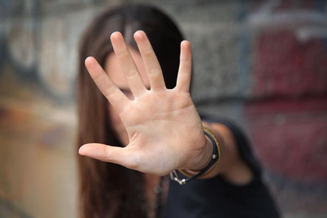 Violenza sessuale di gruppo: se la donna è ubriaca non scatta l'aggravante