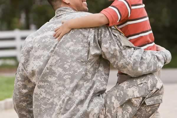 Militari, è possibile richiedere il trasferimento temporaneo in caso di figli minori