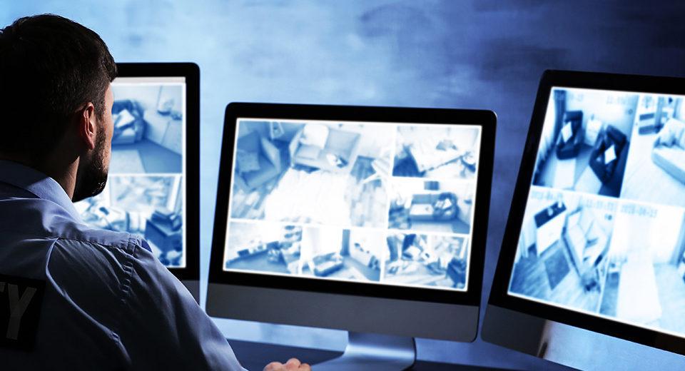 Controllo sui lavoratori: strumenti di lavoro e strumenti di rilevazione accessi e presenze