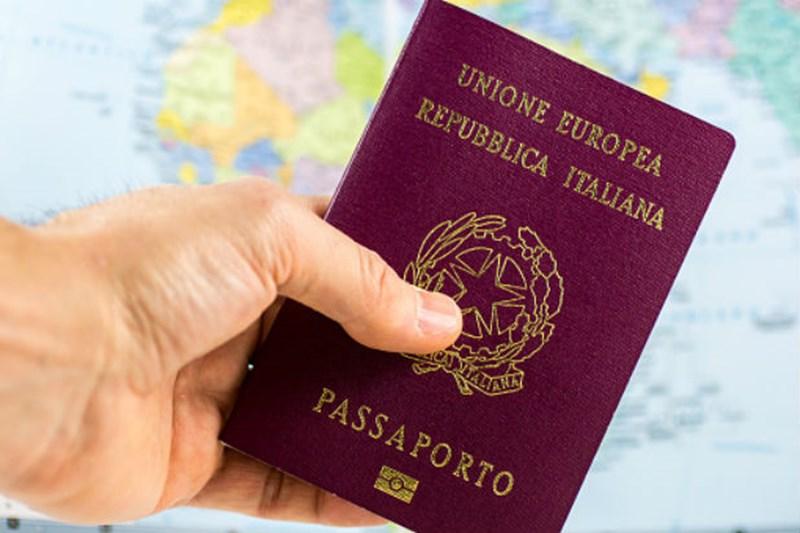 Iscrizione anagrafica dello straniero: è necessario il passaporto in corso di validità?