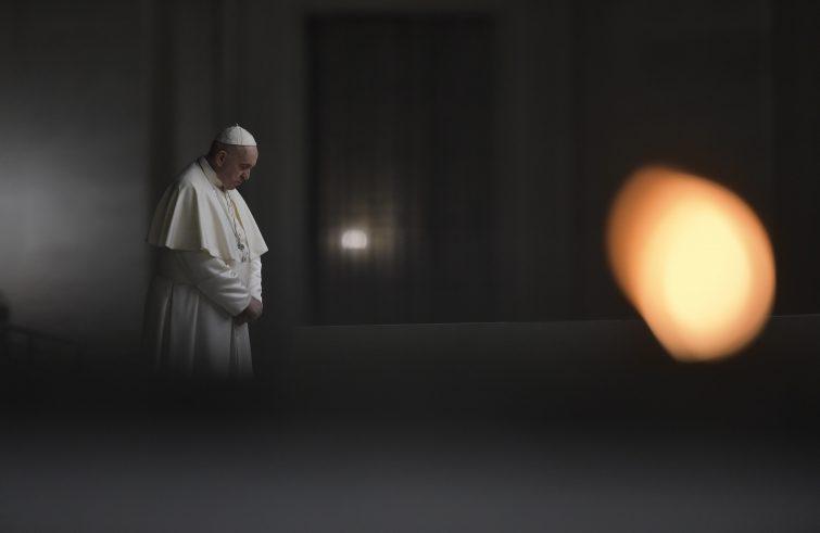 La croce e la cella: riflessioni sulla via crucis