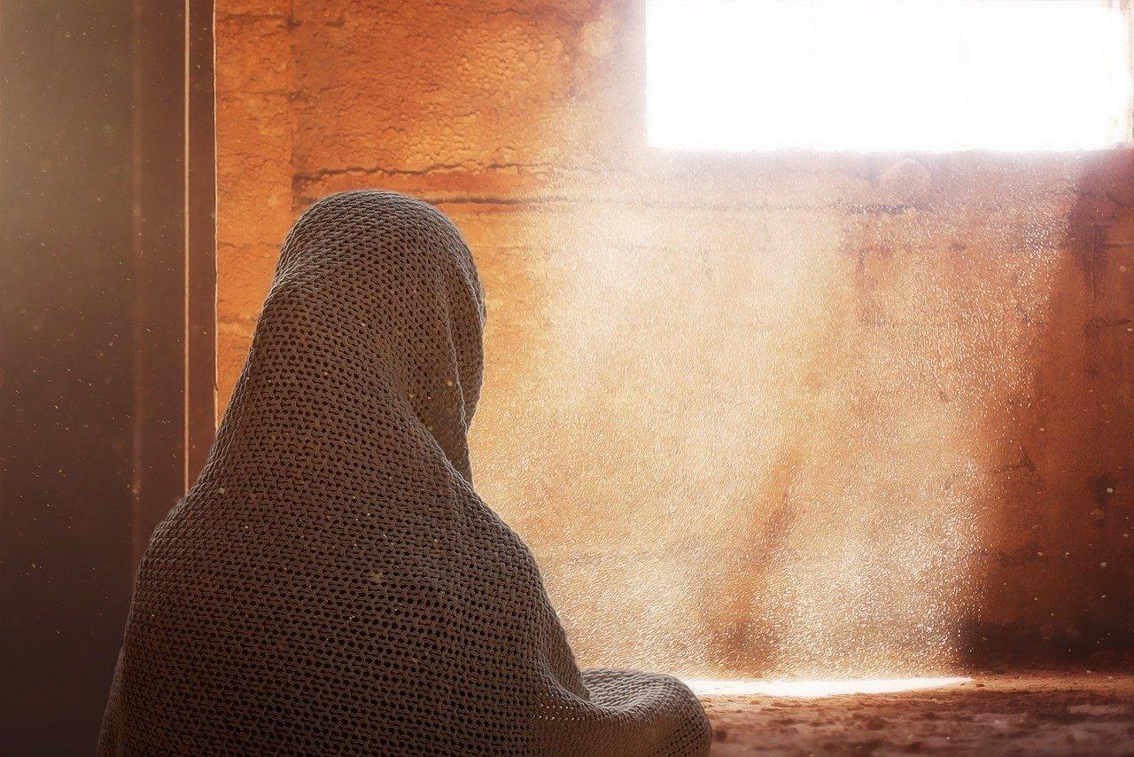 Iran, decapita la figlia tredicenne: è delitto d'onore