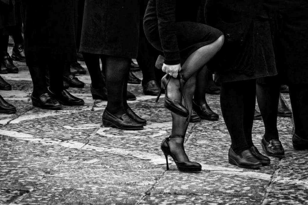 Studio criminologico sul ruolo della donna nella mafia tra Lombroso, teorie sociologiche della devianza e vittimizzazione
