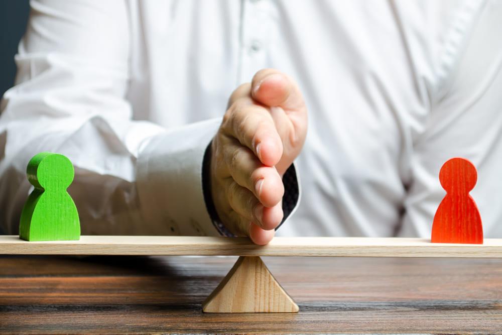 La ripartizione della pensione di reversibilità tra il coniuge e l'ex coniuge