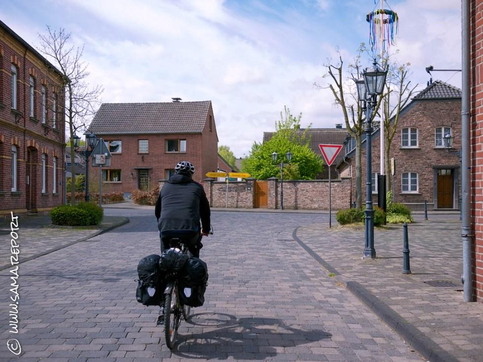 1. Tag: Dinslaken - Belfeld (NL)