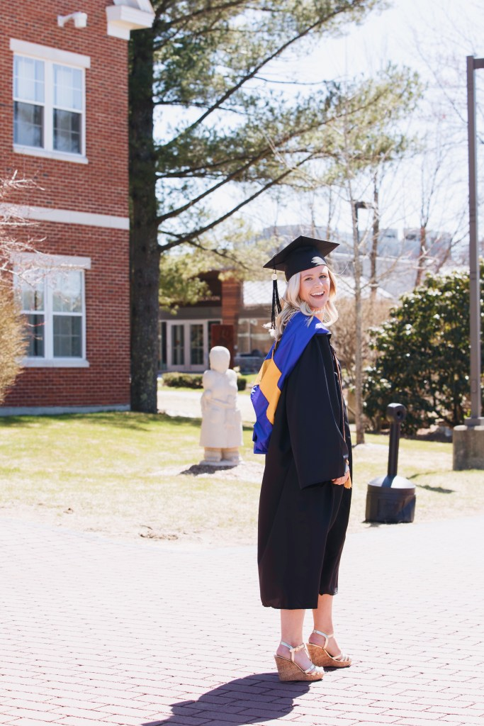 Samantha Marie Blog | SNHU graduation photoshoot