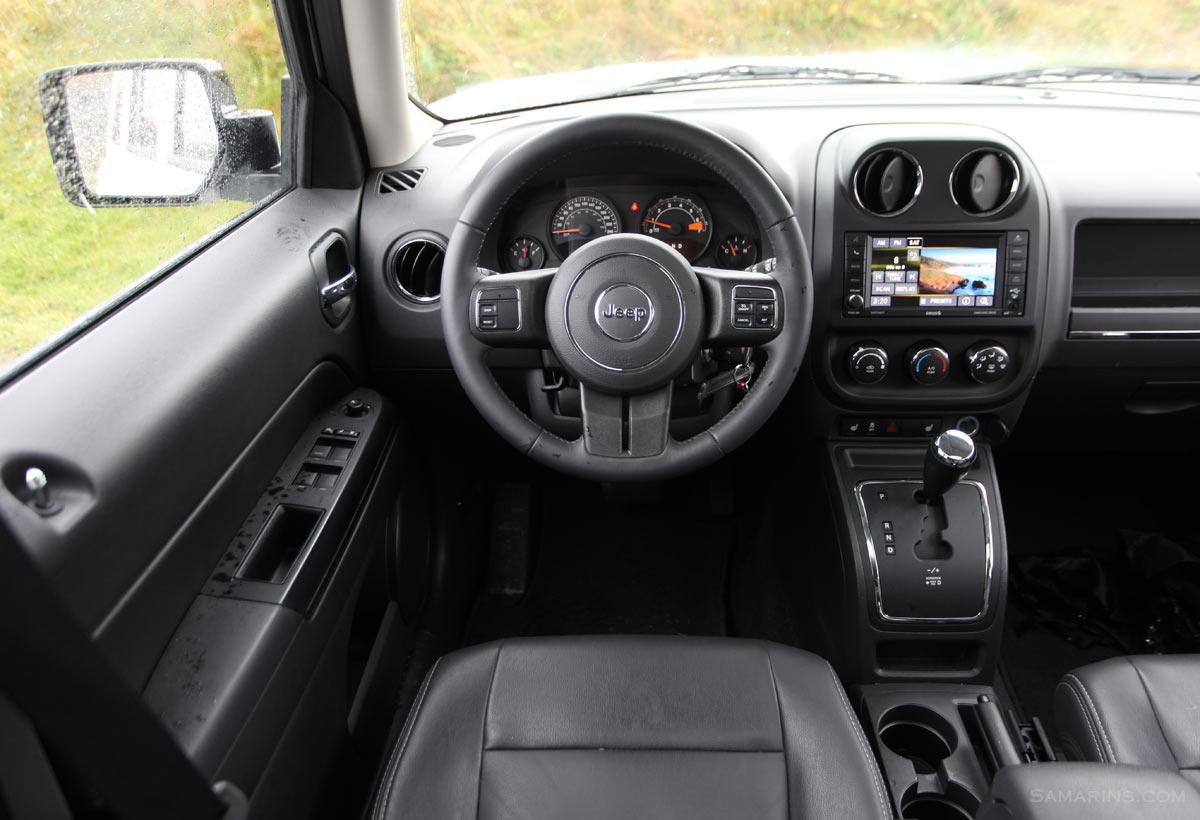 hight resolution of jeep patriot interior