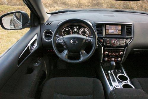small resolution of nissan pathfinder 2015 interior