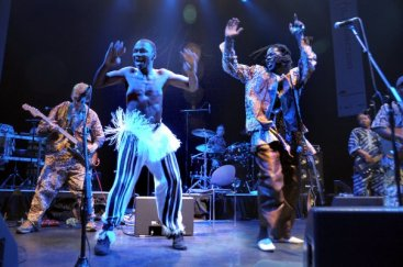 Youssou N'Dour support - Celtic Connections Festival (photo by Louis Decarlo)