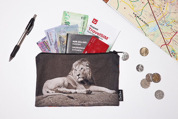 Lion Mzuri (beautiful)                  Bag