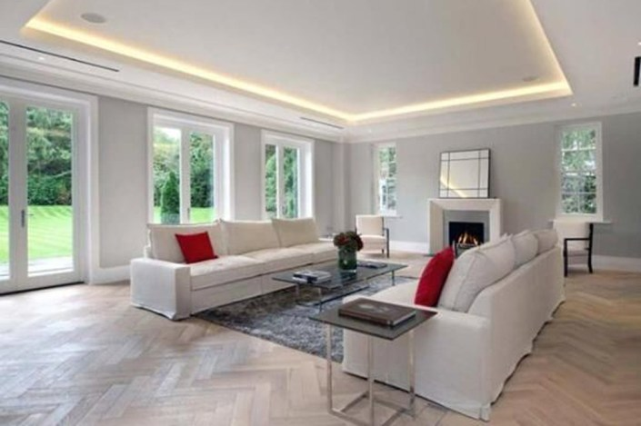 Illuminated coffer ceiling in lounge