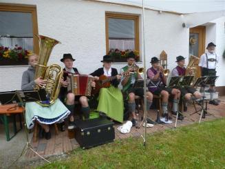 Die junge Lindacher Tanzlmusi