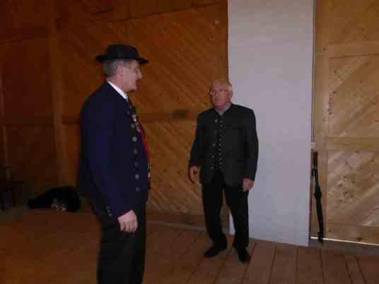 Zwei, die sich bei ihrer Arbeit für die Waldheimat gut verstehen: (v. re.) Georg Pletl vom Bayerischen Wald-Verein und Andreas Tax vom Bayerischen Waldgau.