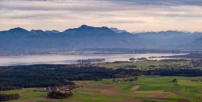 Blick Fraueninsel und Berge