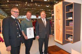 Von links: Schreinervizepräsident Bernhard Daxenberger, Kilian Pfohl und Staatsminister Helmut Brunner.
