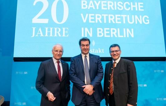 Festakt 20 Jahre Landesvertretung Bayern in Berlin ( © Henning Schacht Leuthener Str. 1 - D 10829 Berlin - phone (+49) 0177 6443393 -www.berlinpressphoto.de )