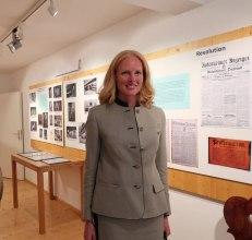 Herzogin Elizabeth in Bayern bei der Eröffnung der Ausstellung im Alten Frasdorfer Schulhaus