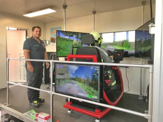 03_Training im Einsatzfahrten-Simulator