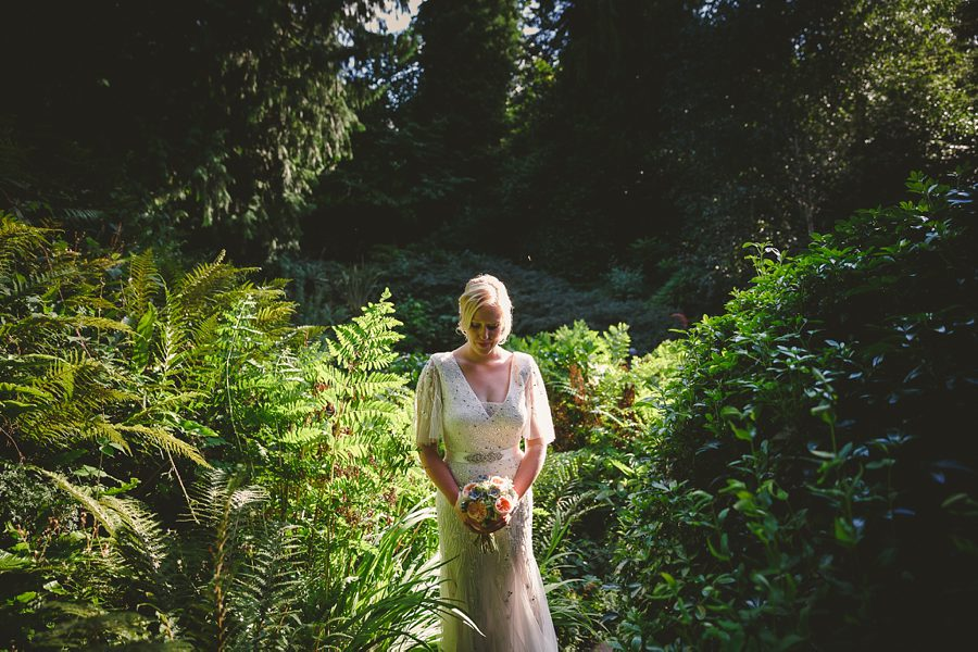 natural wedding photography by sam gibson