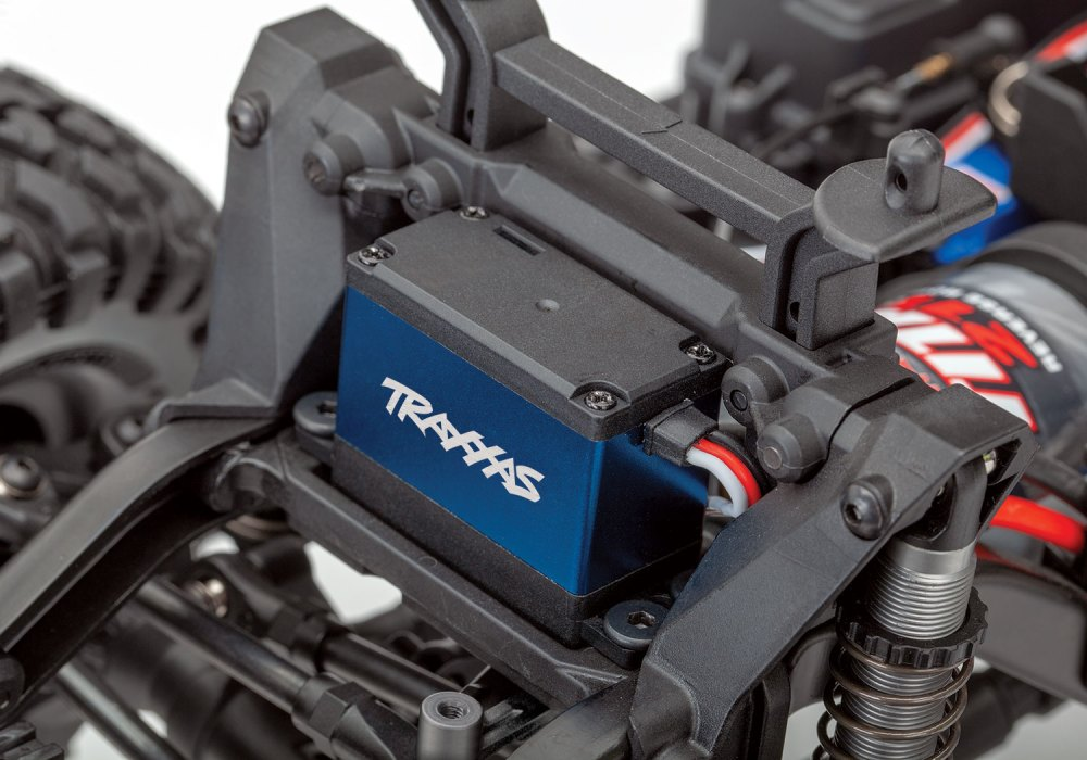 medium resolution of replace the e revo s dual servos with a single trx 2255 for lighter weight more torque and lightning quick steering response