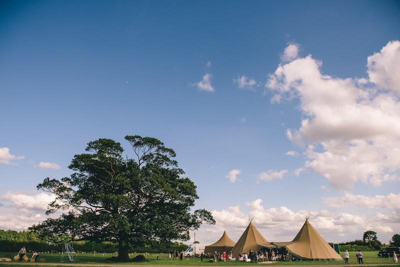 Lisa & Fliss | Sami Tipi Wedding | Cattows Farm | Matt Brown Photography4