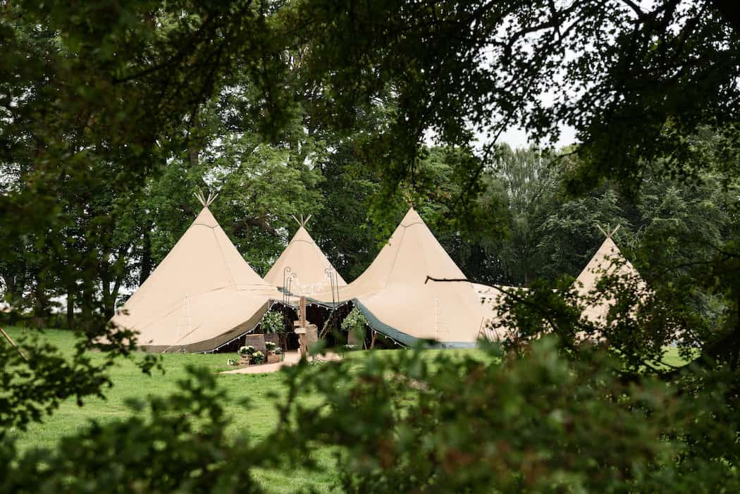 Sami Tipi at Pipewell Hall - image by Sarah Vivenne Photography8